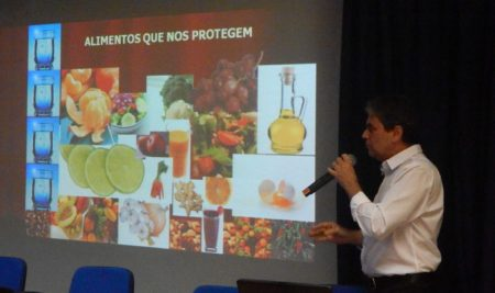 Nutrólogo Defende Práticas Saudáveis na Alimentação em Palestra na SEAERJ