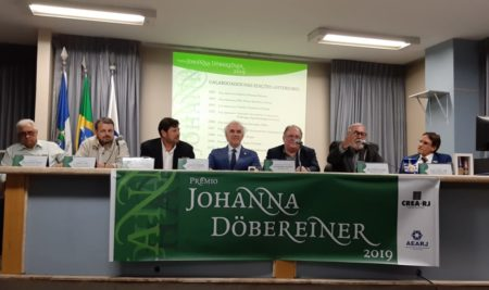 Engenheiro é agraciado com o Prêmio Johanna Döbereiner no Crea-RJ