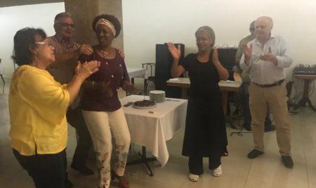 Aniversariantes do mês comemoram no Piano Bar